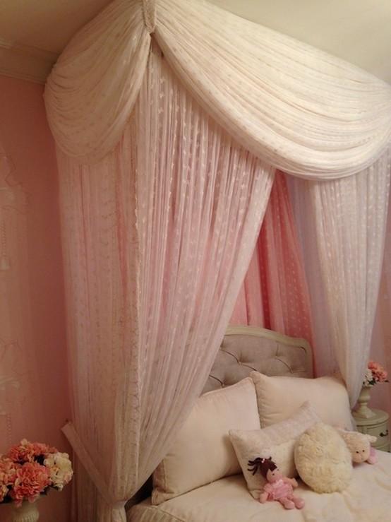 полог над кроватью из вуали
