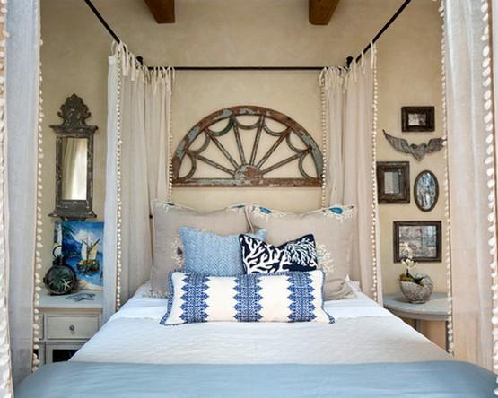 полог над кроватью из льняной ткани