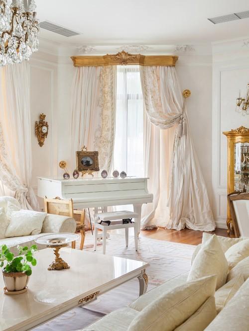белые классические портьеры