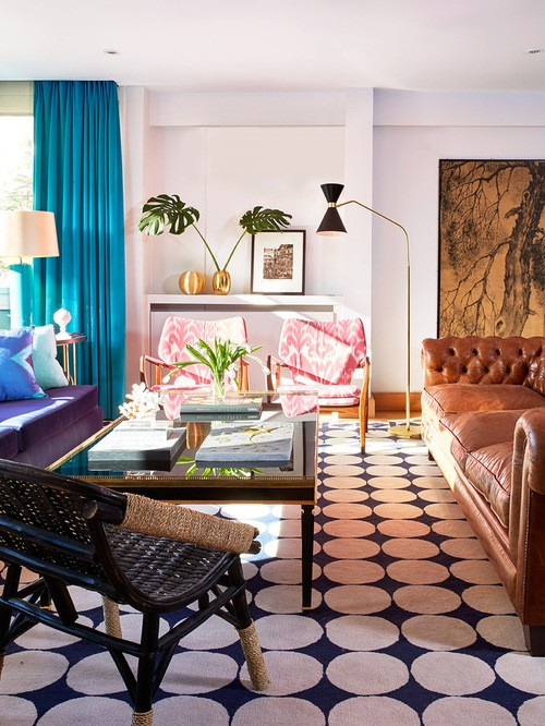 бирюзовые портьеры в гостиной комнате