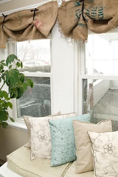 шторы для кухни из мешков для кофе