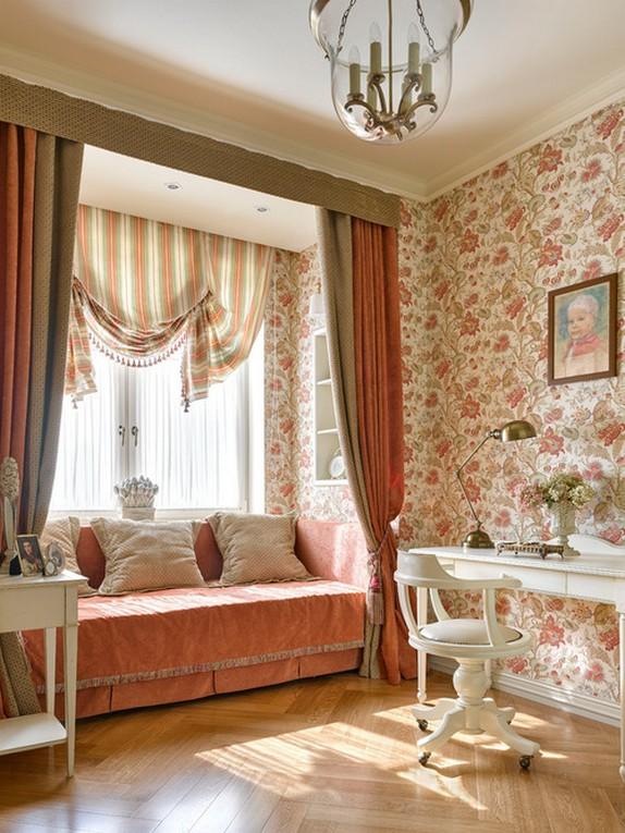 шторы в деревенском стиле под розовые обои в цветочек