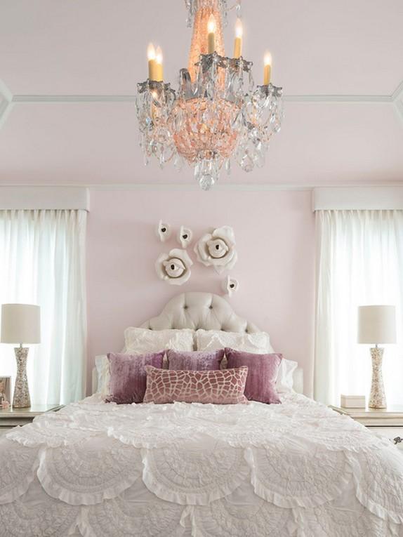 белый тюль из вуали под светло-розовые стены
