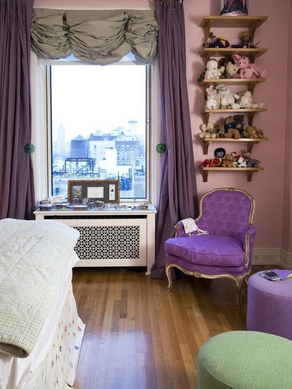 сиреневые шторы к розовым стенам спальни