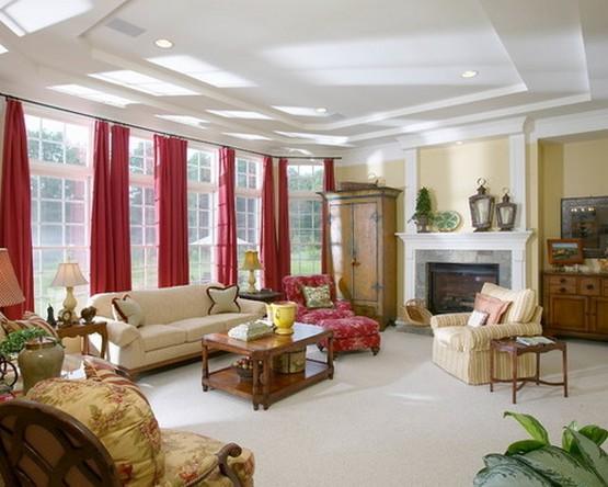 красные шторы под желтые обои в гостиной