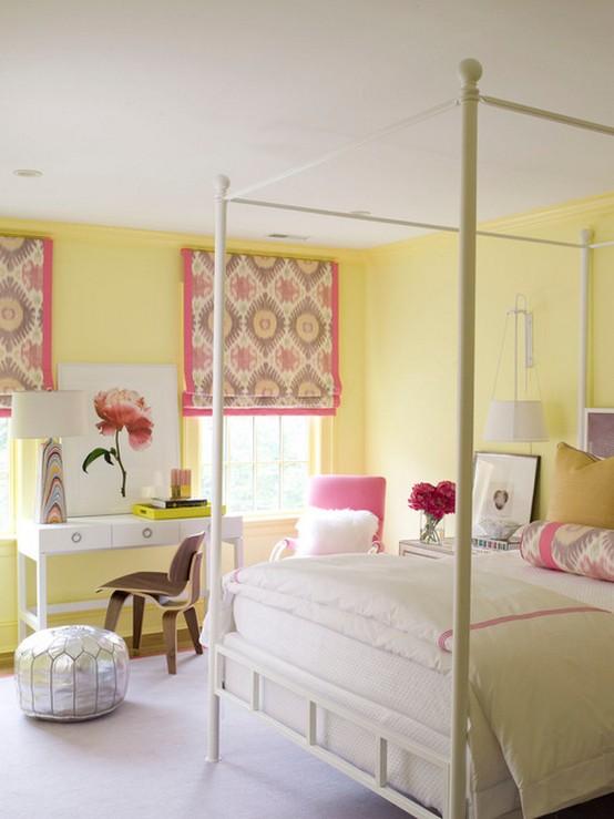 розовые шторы к желтым стенам в детской