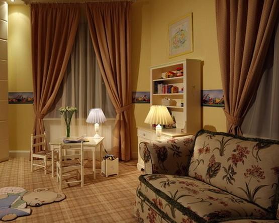светло-кофейные шторы под желтый цвет стен
