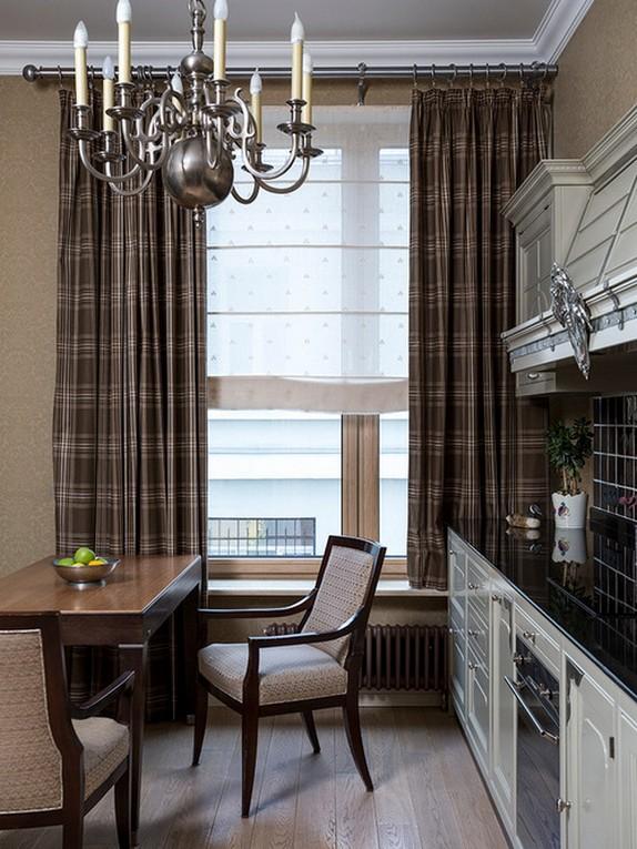 клетчатые шторы в кухне