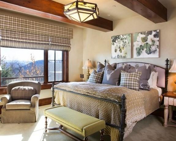 клетчатый рисунок на шторах и декоративных подушках