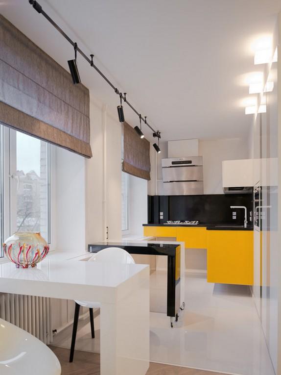 римские бамбуковые шторы в кухне-гостиной