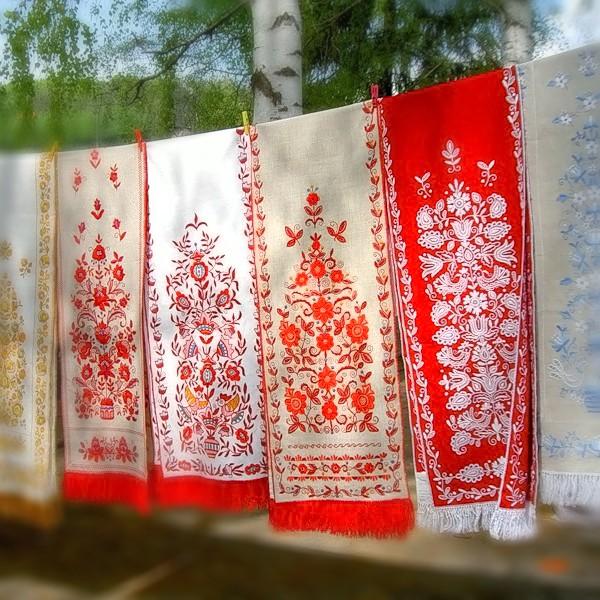 шторы в русском стиле с вышивкой