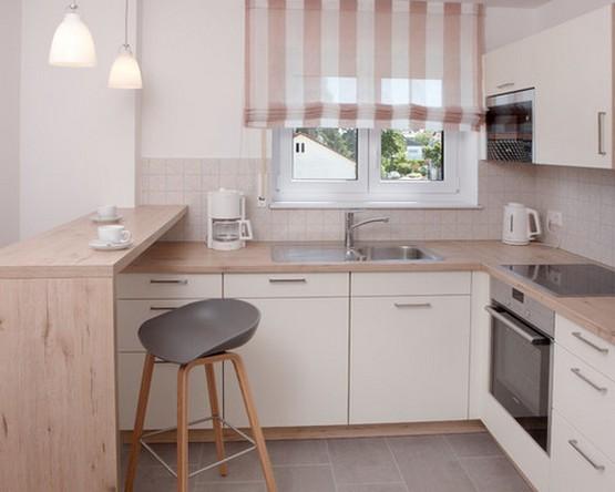 римская штора в кухне в скандинавском стиле