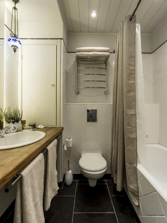 шторы из ткани в маленькой ванной