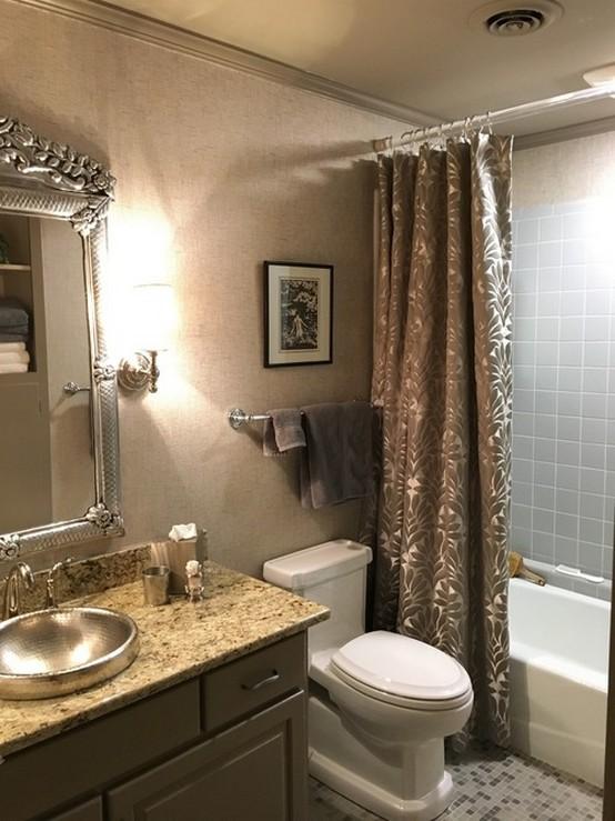 портьера в ванной комнате
