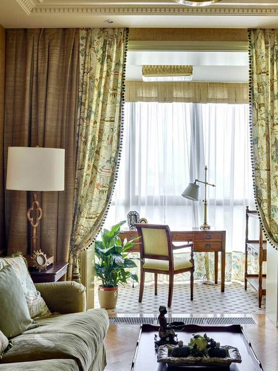 шторы из трех полотен в гостиной