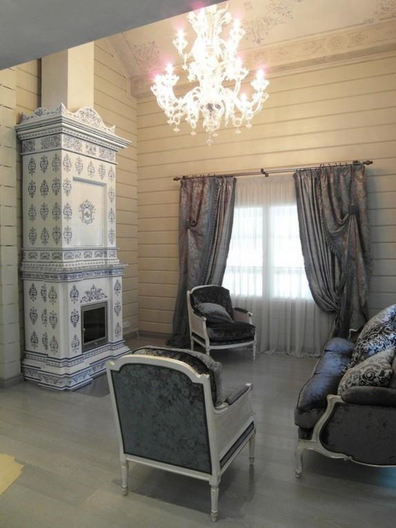 тройные шторы в гостиной кантри