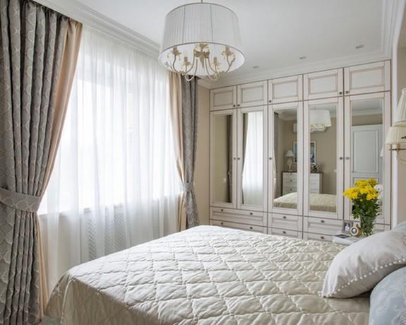 тройная штора с тюлем в спальне