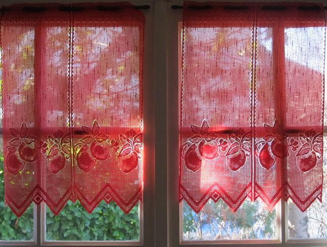 вязаные винтажные шторы красного цвета