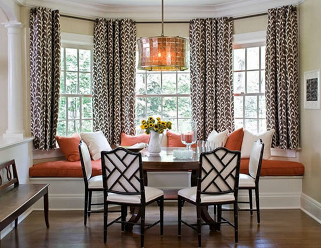 шторы до подоконника в столовой-гостиной