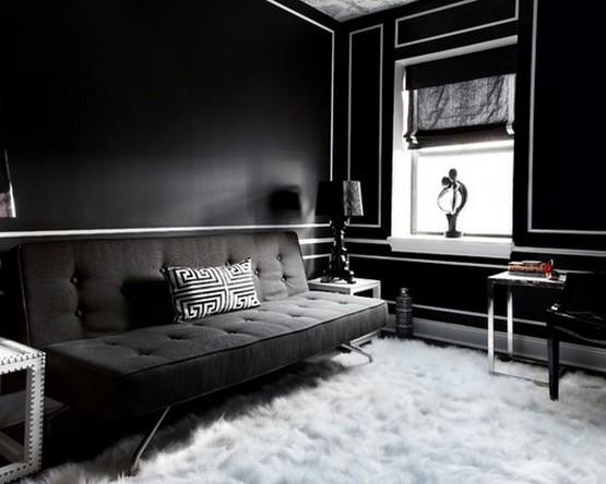черная римская штора под черные обои в гостиной в классическом стиле