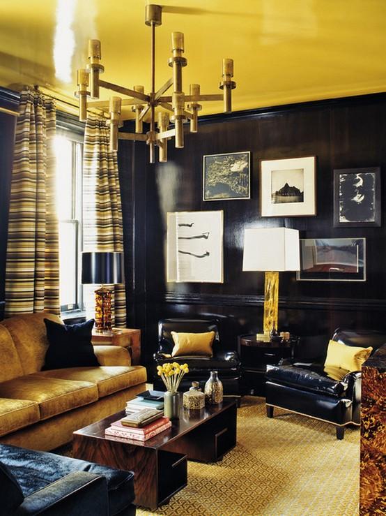 золотистые шторы к черным обоям