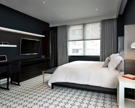 фото серых штор к черным стенам в спальне