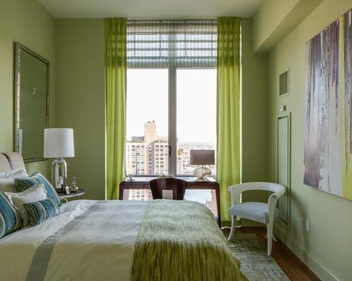 зеленый тюль и зеленое покрывало в спальне
