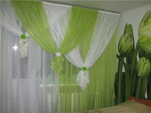 зеленый тюль к зеленым стенам спальни