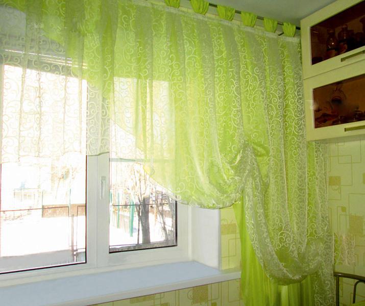 тюлевые занавески зеленго цвета в кухне
