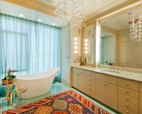 голубой тюль в ванной