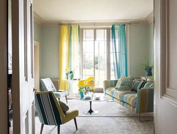 желтый и голубой тюль в гостиной