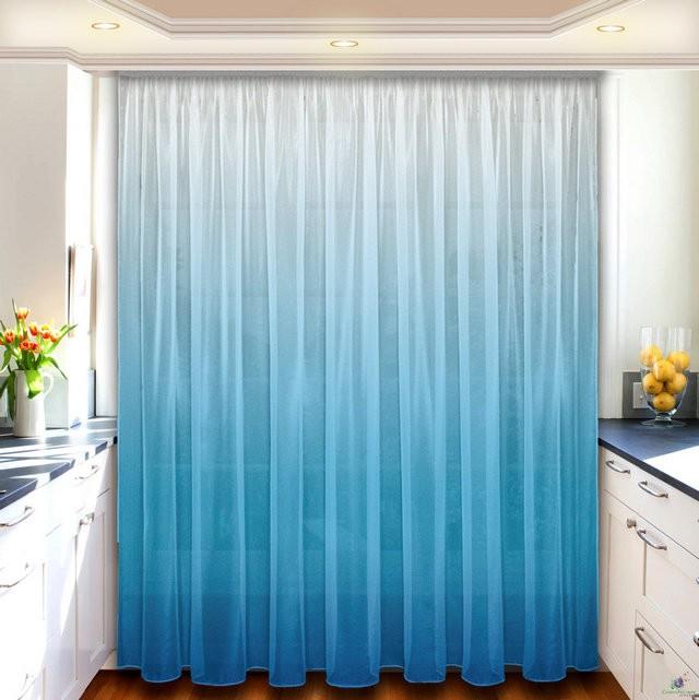 голубой тюль в кухне