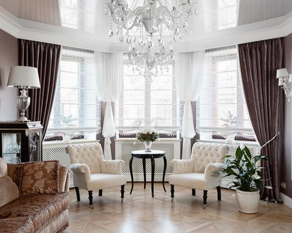 шторы на большое эркерное окно в гостиной комнате