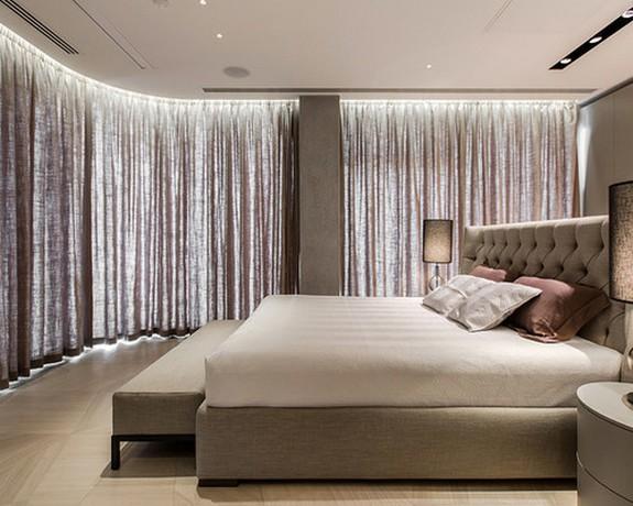 шторы на большие панорамные окна в спальне