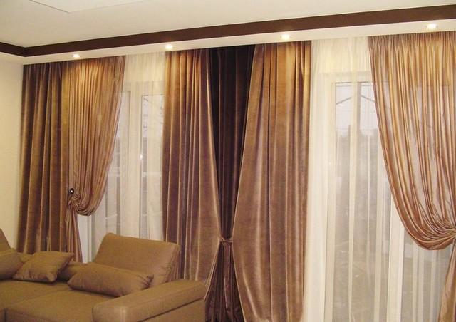 бархатные портьеры на 2 окна в зале