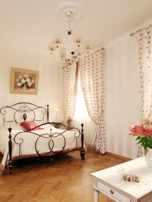 занавески на 2 окна в спальне