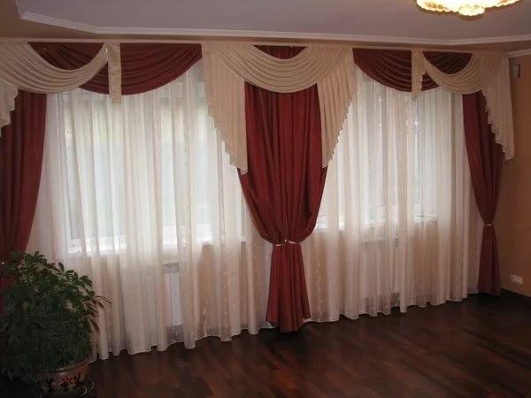 портьеры на 2 окна в гостиной
