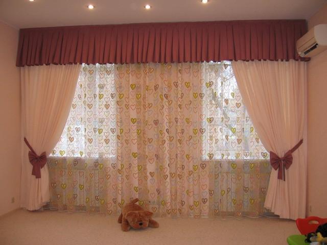 шторы на 2 окна в детской