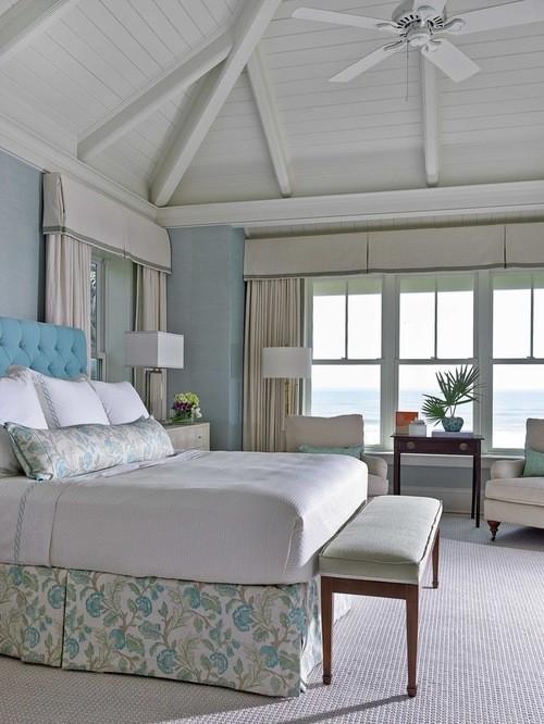 бежевые портьеры к голубым обоям в спальне