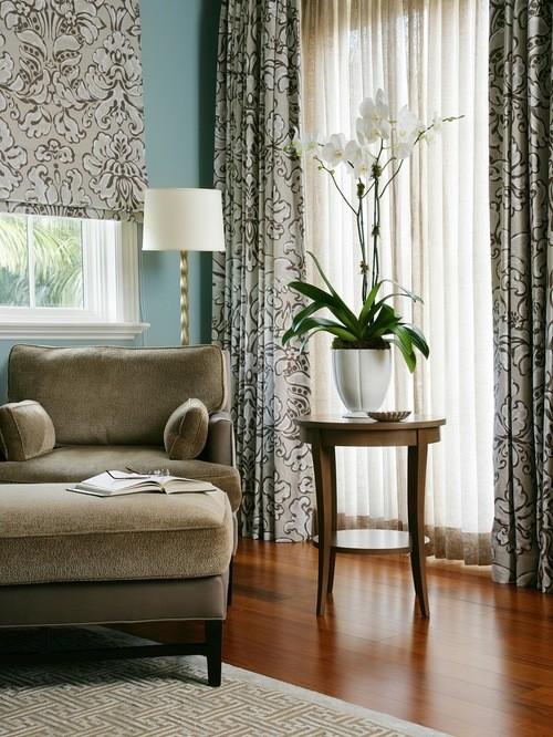серый цвет штор к голубым стенам