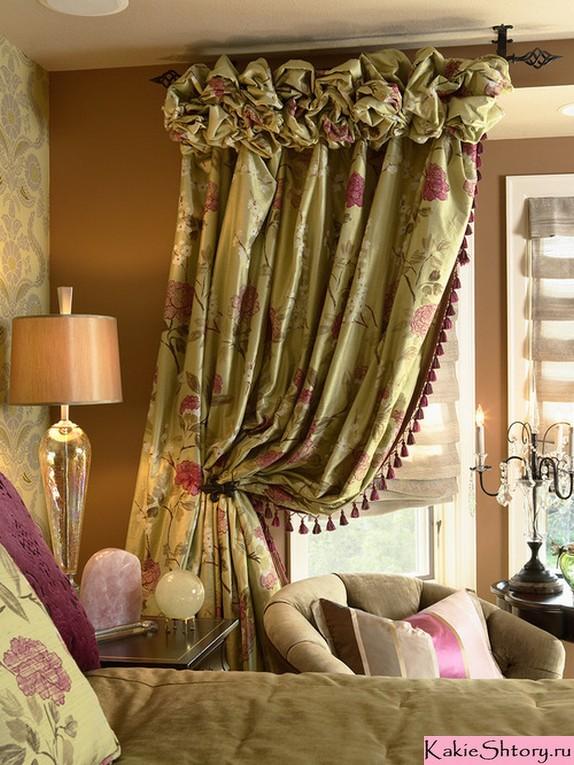 портьеры в цветочек в викторианском стиле
