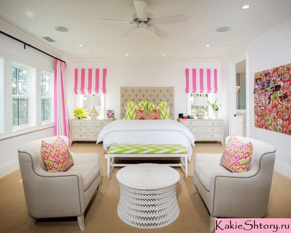 розовые шторы в полоску