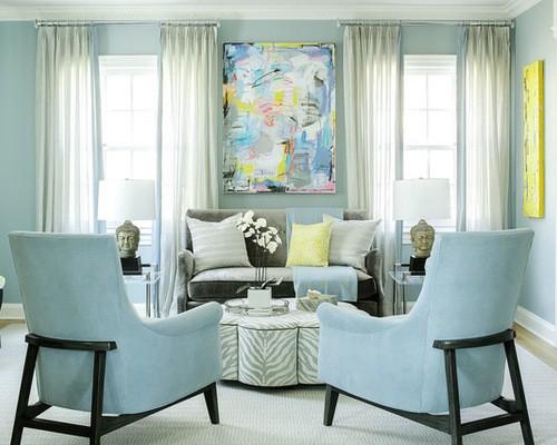 белые шторы к голубым стенам
