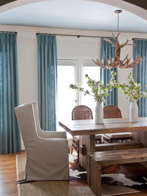 голубые шторы в столовой кантри