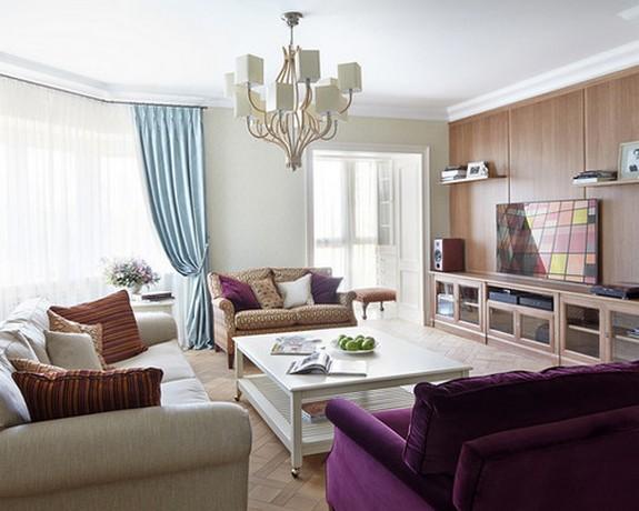 сочетание голубых штор с фиолетовой мебелью