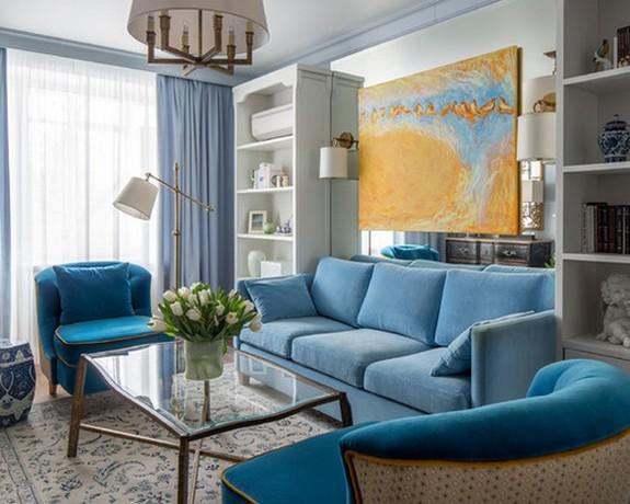 шторы голубого цвета в гостиной