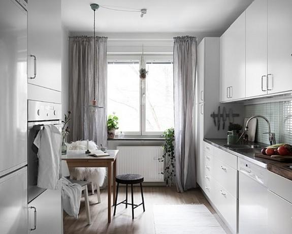 серый тюль на кухне