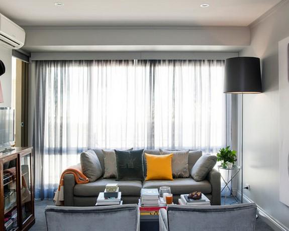 серый тюль в гостиной