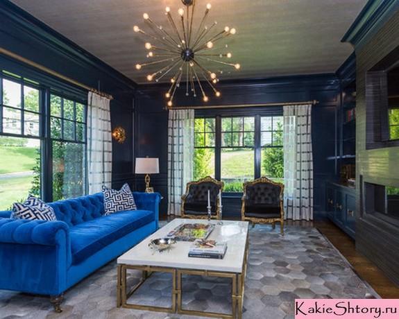 шторы с рисунком под синие обои
