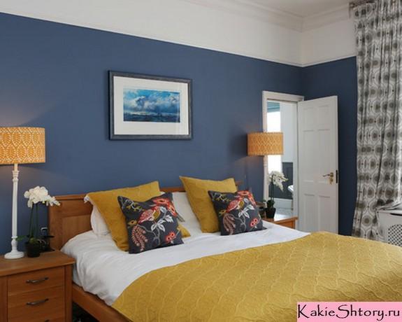 шторы с рисунком к синим обоям